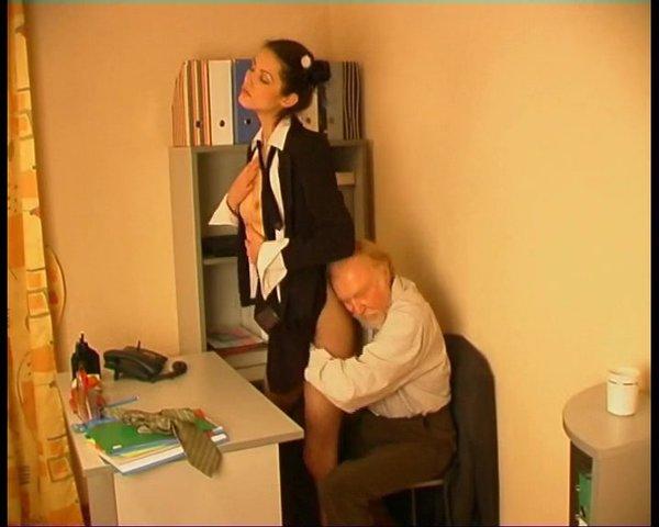 Трахнул Секретаршу В Ее Нежную Щель